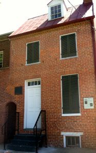 The facade of 3 Amity Street.