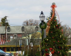 This year's Christmas tree across from the City Dock has traditional style.