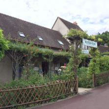 Little shops in Giverny offer refreshment and souvenirs to pilgrims.